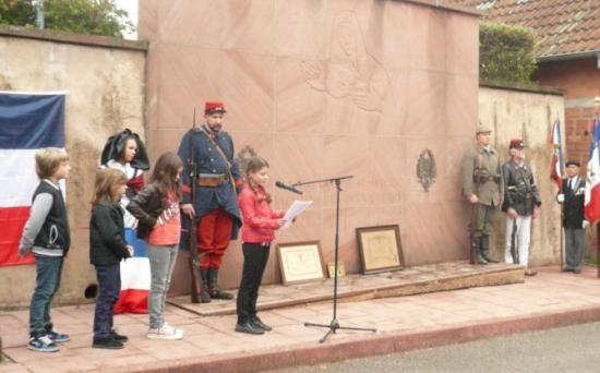 une-plaque-commemorative-pour-saint-maurice-village-martyr